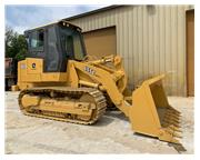 2005 DEERE W/ ENCLOSED CAB W/ A/C & HEAT - E7139